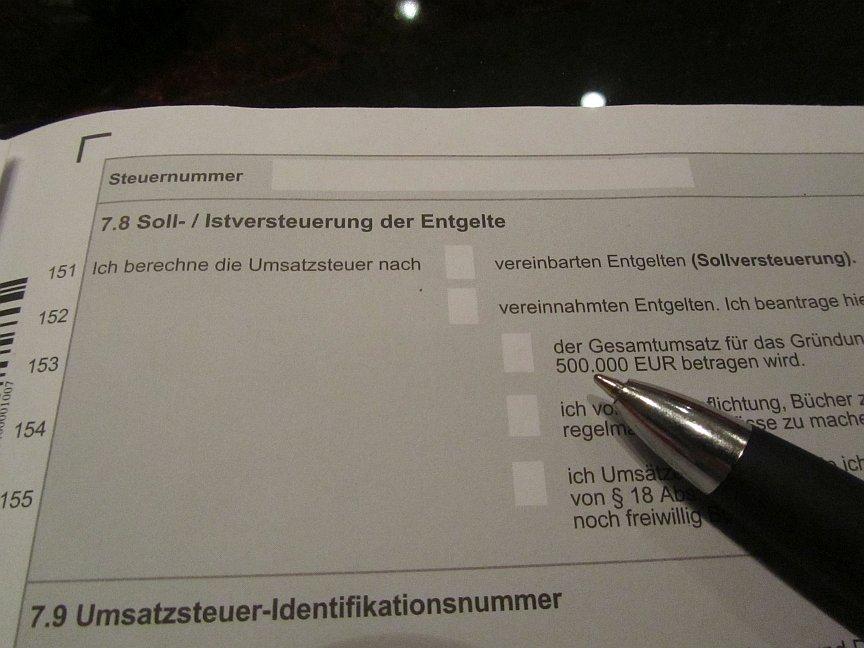 Soll ich bei meiner Gewerbegründung im steuerlichen Erfassungsbogen lieber die IST oder SOLL Versteuerung auswählen?